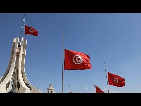شاهد 70 مرشحًا يقدمون أوراقهم لخوض سباق الانتخابات الرئاسية في تونس