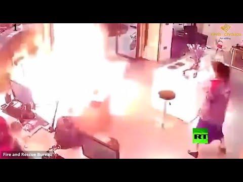 لحظة انفجار بطارية أثناء شحنها
