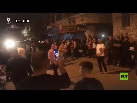 شاهد فلسطينيون يطالبون بإقامة صلاة العيد داخل مسجد عثمان بن عفان الجديد