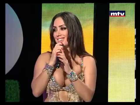 سقوط راقصة لبنانية على المسرح