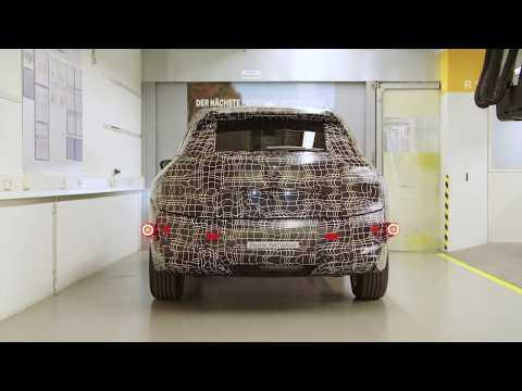 بى إم دبليو تبدأ تجميع السيارات الكهربائية بمحركات الاحتراق الداخلي