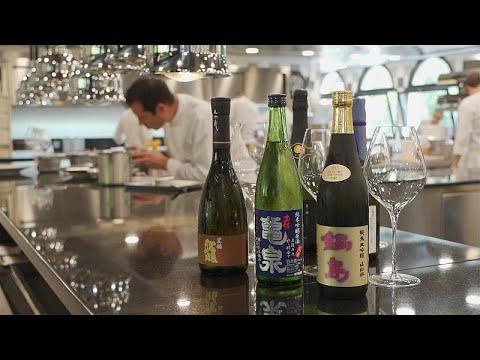 شاهد الساكي غنيّ بطعم الأومامي وحلو المذاق وأقل حموضة من النبيذ