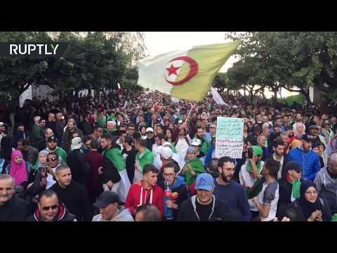 استمرار الاحتجاجات قبل أقل من أسبوع على الانتخابات الرئاسية