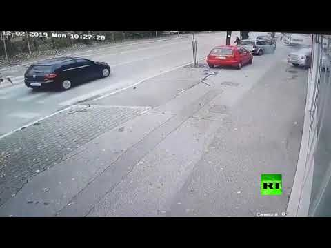 الكعب العالي يتسبب في حادث خطير في البوسنة الرسك