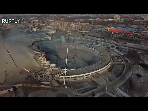 شاهد تصوير جوي لانهيار سقف مجمع بطرسبورغ الرياضي