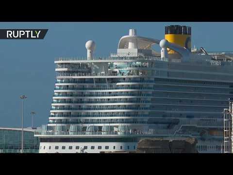 آلاف المسافرين عالقون على متن سفينة إيطالية