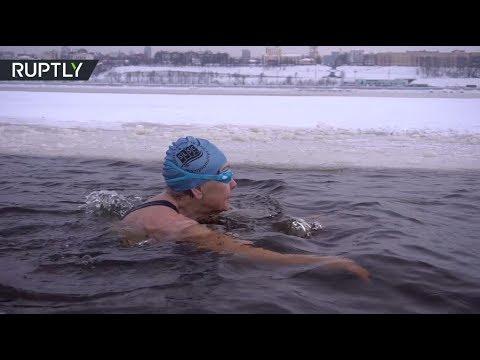 روسية في الـ83 من عمرها تفوز ببطولة العالم في السباحة الشتوية