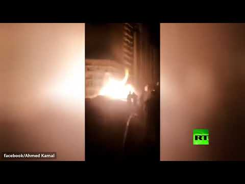 شاهد حريق هائل بأنبوب لضخ الغاز في مصر بعد اصطدام حفار آلي به