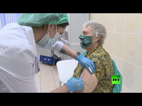 شاهد تطعيم أكثر من 3 آلاف شخص بلقاح ضد كورونا في موسكو