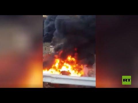 شاهد حريق جراء انفجار في خط أنابيب يغذي ثاني أكبر مصفاة نفط في إيران