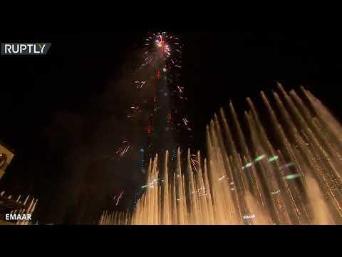 شاهدبرج خليفة في دبي يحتفل بقدوم العام الميلادي الجديد 2021